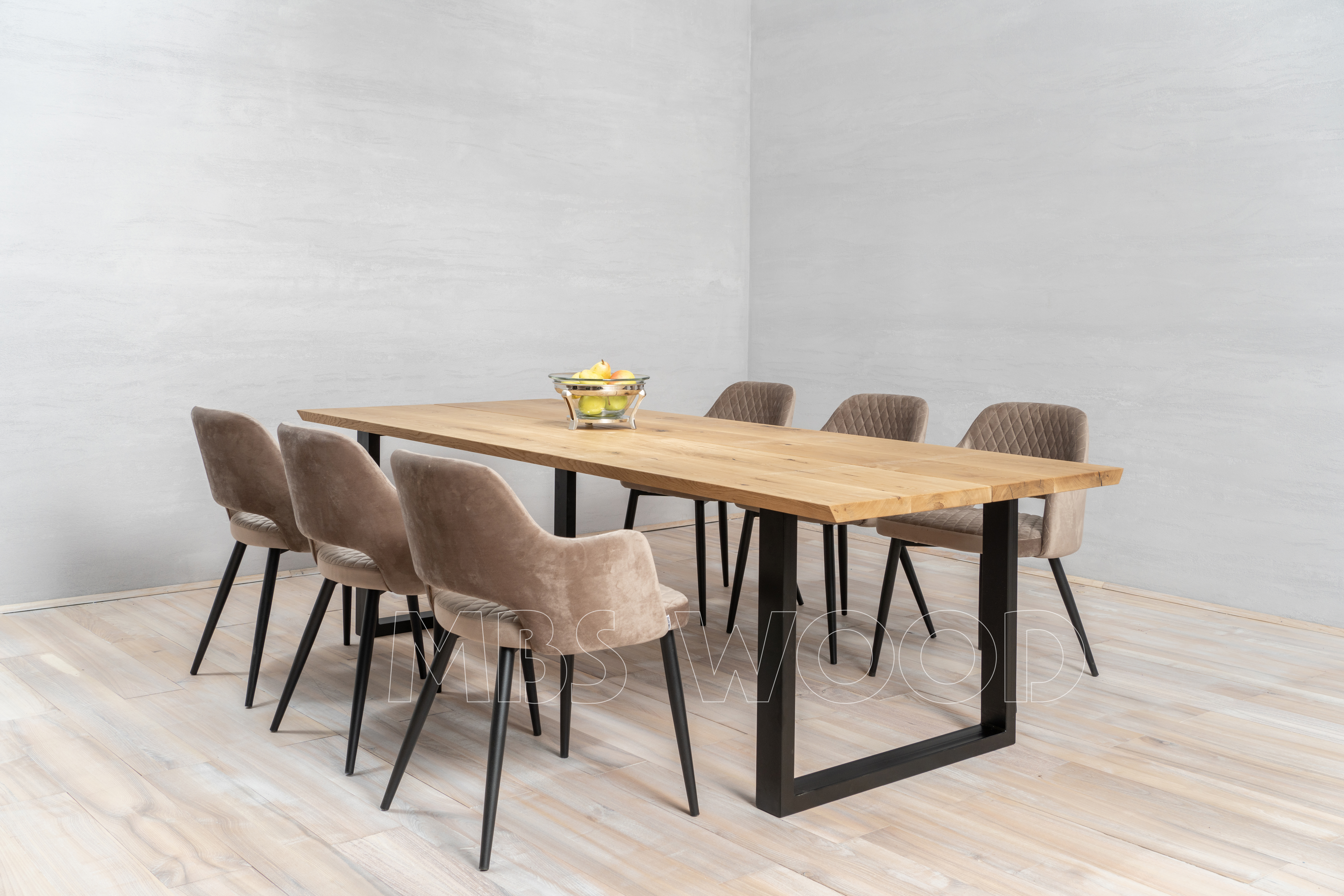 order wholesale delivery of oak dining tables mbswood.com