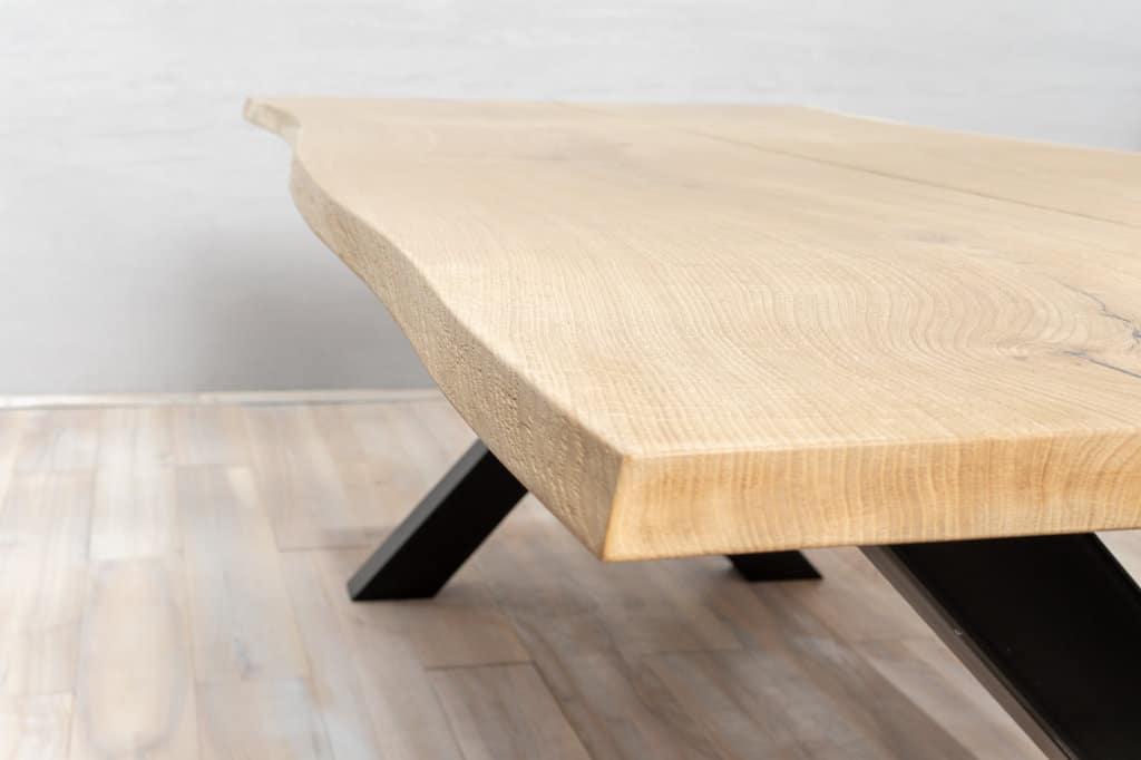 Oberseite des Holztischs